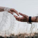 Empregada doméstica se casou e trocou de nome. O que fazer?